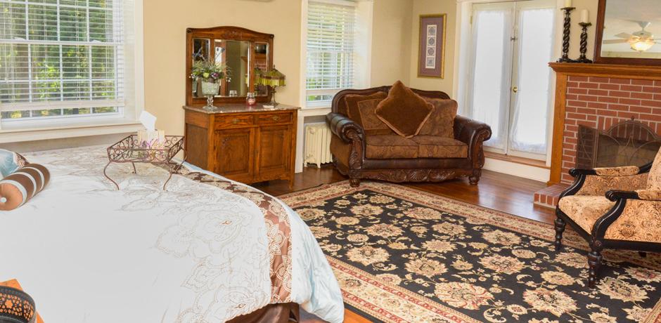 Guest Room | La Bella Casa