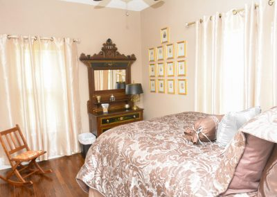 Cottage Bedroom | The Cottage at La Bella Casa