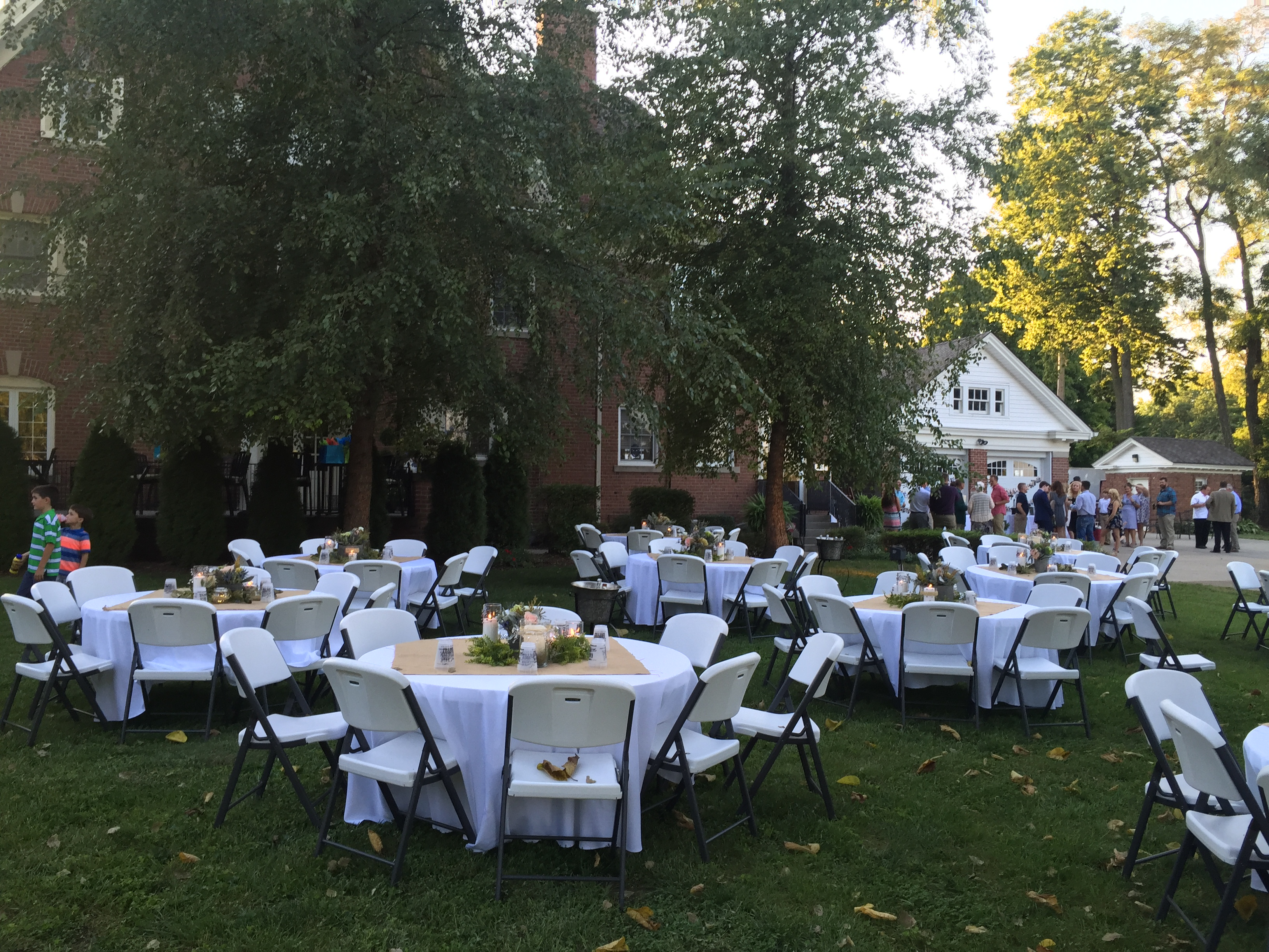 Banquet Seating on the lawn | Outdoor Event